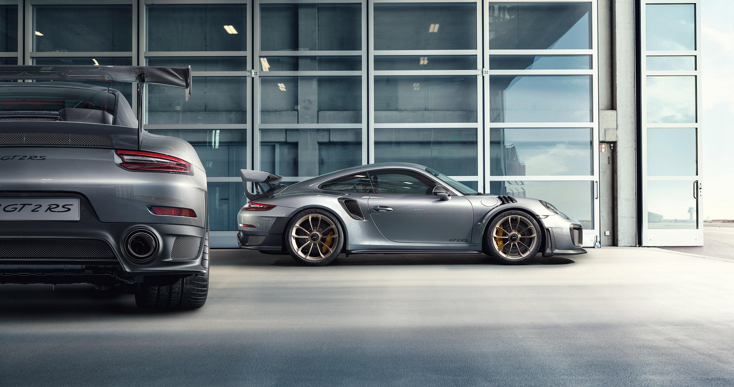 GT2_RS_profil_heck_2500 Stunning Porsche 911 Gt2 Rs Vs Lamborghini Aventador Cars Trend